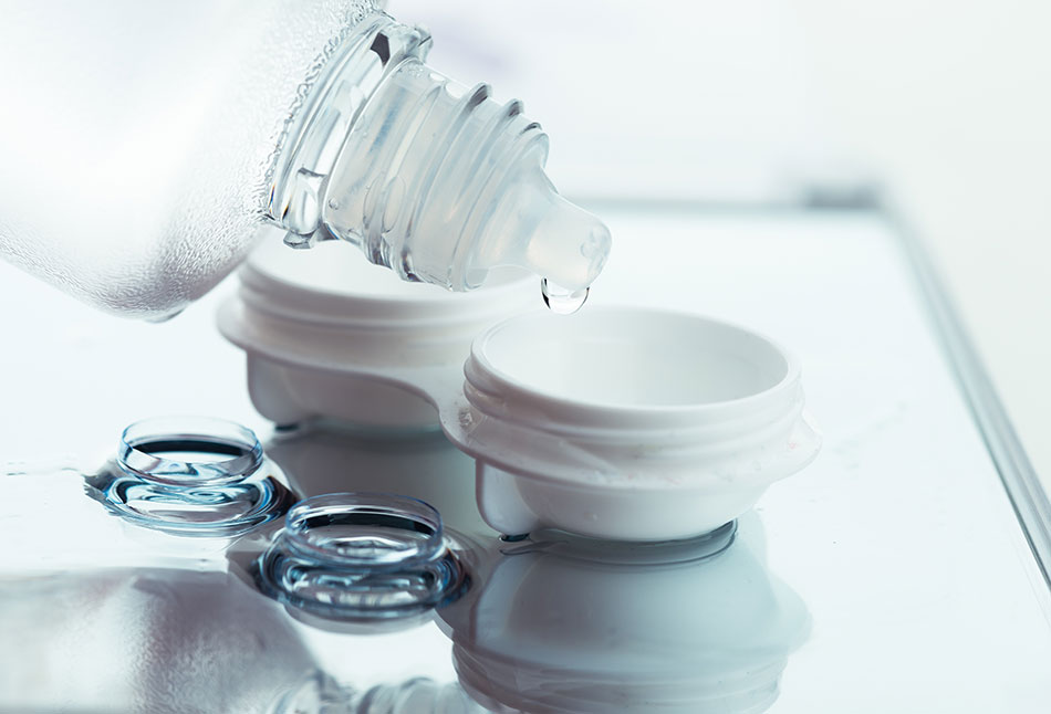 multipurpose cleaning solution with contact case for proper contact lens care